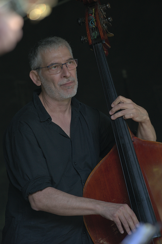 Sebastian Krause Kontrabass; Foto Heidrun Kirchgeßner